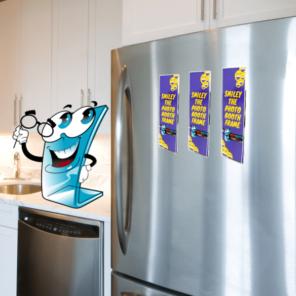 Acrylic magentic photo frames for attaching to refrigerators