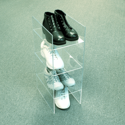 Shoe riser shelf